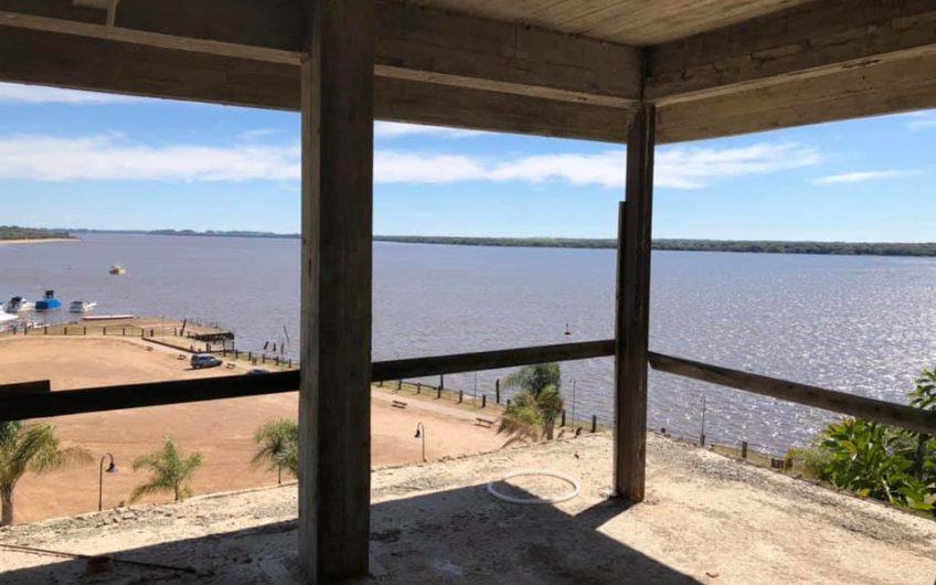 EDIFICIO DEL PUERTO. DEPTOS EN CONSTRUCCION.