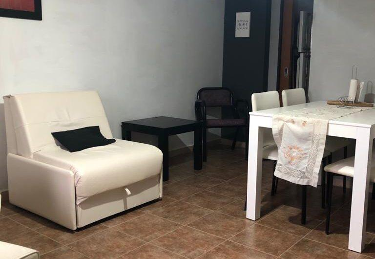 DEPTO AMOBLADO c/ cochera CENTRICO