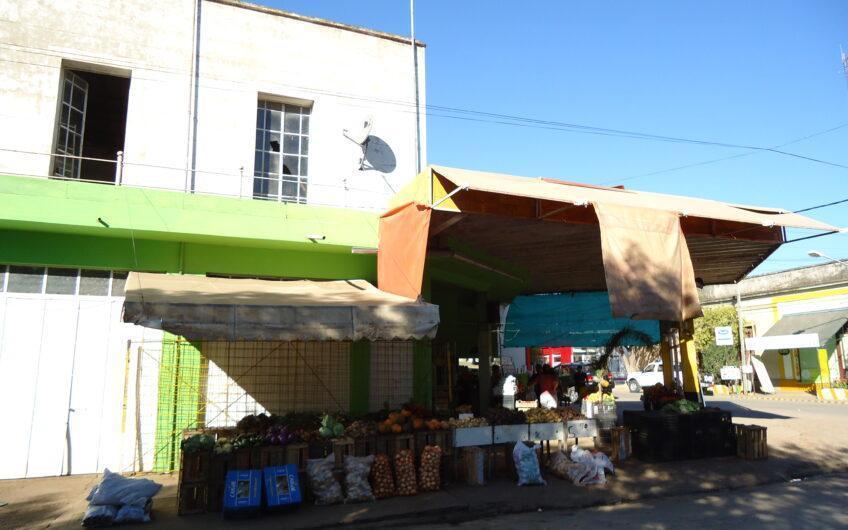 Local en esquina- Zona comercial