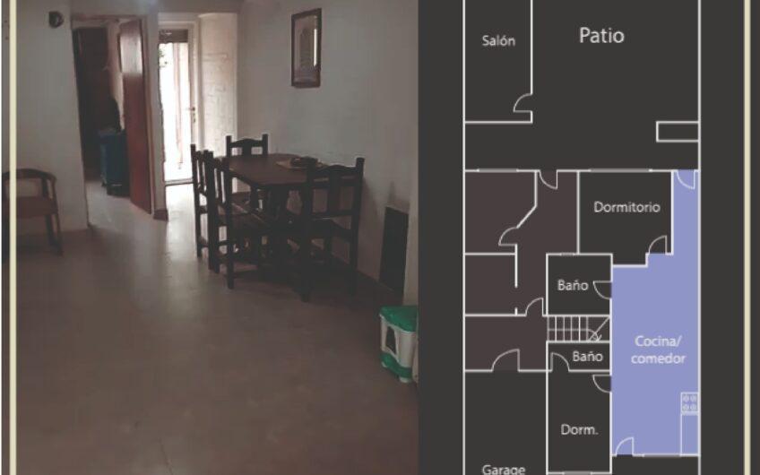 Amplia casa centrica con depto
